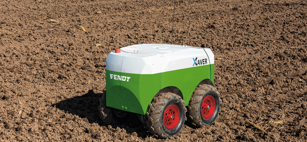Autonomous seeding and planting robots can plant crops in smart farms without human intervention.
